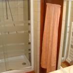 Meublé village : salle de bain